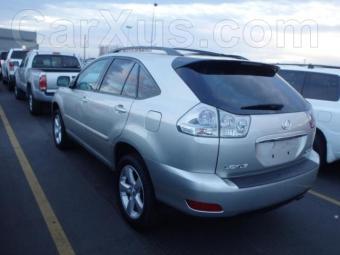 2004-Lexus-Rx330-689746
