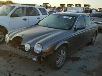 2004-jaguar-s-type-4-2